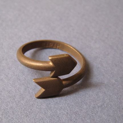 vintage 1976 sarah coventry curved arrow brass adjustable ring