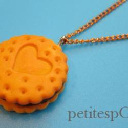 1 qty i heart you cookie with chocolate cream filling necklace