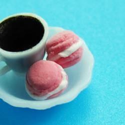 1 set of 2 pink with cream filling macaroons and cup of hot cocoa miniature food